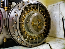 A  bank vault in Alabama ocx