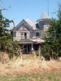A beautiful old home in South Central Kansas