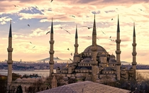 A beautiful photo of the Sultan Ahmed Mosque in Istanbul