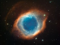 A color-composite image of the Helix Nebula