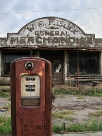 A dilapidated general store in the ghost town of Cogar Oklahoma