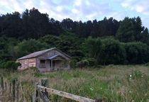 A farmhouse stands solid despite many years forgotten Wanganui New Zealand x