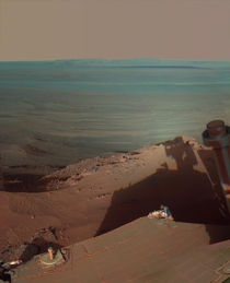A huge detailed pic of Rover Opportunity at Endeavour Crater on Mars