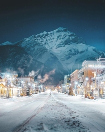 A mountain backdrop against the town of Banff Alberta