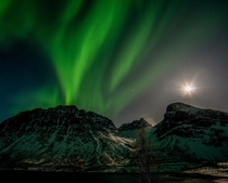 A rare capture of supermoon AND northern lights in one picture - from Troms in Norway   more of my aurora shots at Insta glacionaut