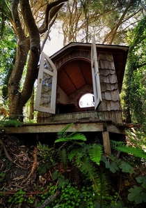 A reading hut at a s era abandoned location I explored OC x