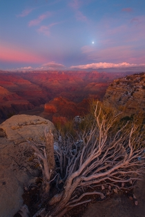 A really nice winter sunset over the south rim of the Grand Canyon I camped overnight and was not prepared for temperatures in the single digits F after coming from Death Valleyit was a long night Grand Canyon AZ -  mattymeis