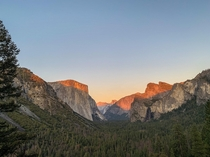 A sight for eyes sore or otherwise Sun setting on Yosemite California x pixels