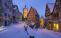 A small cozy town in Germany Rothenburg ob der Tauber x-post rcozyplaces