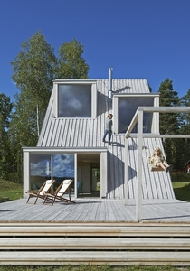 A Triangular Summer House by Leo Qvarsebo in Vsterbyn Sweden