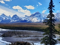 A viewpoint alongside the Icefields Parkway Alberta x