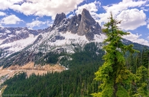A viewpoint that you can just drive up to Location Washington Pass North Cascades National Park   x