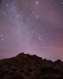 A winter-y night sky a view which I often miss after being away from nature for too long Owens Valley California  Instagram liamsearphoto