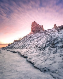 A wintry morning in Chimney Bluffs State Park NY