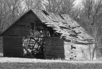 Abandoned barn in rural Illinois  x