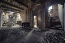 Abandoned building  by MatDur