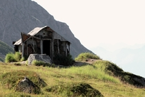 Abandoned cabin near Independence Mine Alaska