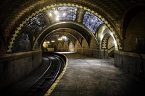 Abandoned City Hall subway station in New York  by Delana