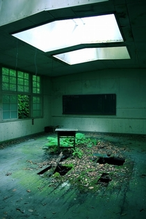 Abandoned classroom somewhere in Japan