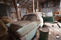 Abandoned Farm House with Old cars left to decay x