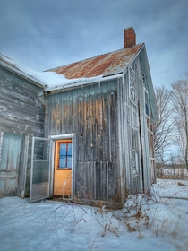 Abandoned farmhouse in Canada