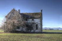 Abandoned farmhouse in Hillsboro Oregon