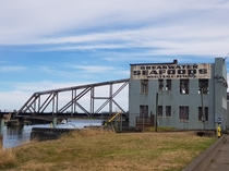 Abandoned fish distributor Aberdeen Wa By me