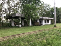 Abandoned Gas Station in Central IL