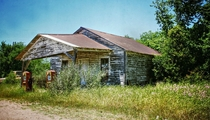 Abandoned gas station near MadisonvilleTexas