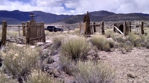 Abandoned gave site reported as belonging to US Cavalry soldiers and one Pony Express rider in rural Nevada