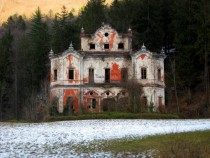 Abandoned Ghost Mansion in Italy