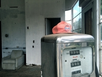 Abandoned Gulf Gas Station Shelbyville Kentucky
