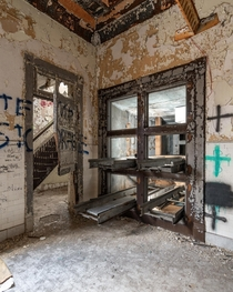 Abandoned Hospital Morgue in New York