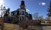 Abandoned house in Brookfield MA x