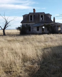 Abandoned house in Moriarty New Mexico