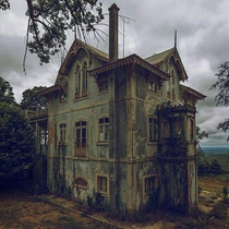 Abandoned House in Portugal - Photo by Fabio Martins