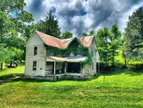 Abandoned house in the Tennessee hills