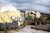 Abandoned Japanese theme park based on Gullivers Travels that has been left to rot