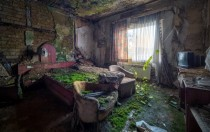 Abandoned Living Room x-post from rpics