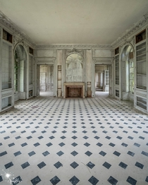 Abandoned Manoir France  IG the_sparkler