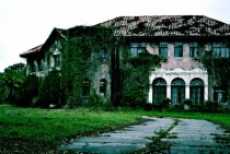 Abandoned Mansion In Florida