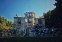 Abandoned Mansion next to Paris exploration video in comments