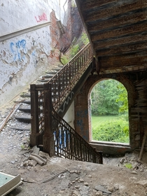 Abandoned military school granite floors and stairs are still crazy sturdy