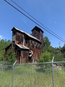 Abandoned mine shaft in cobalt Ontario For those interested in abandoned mining buildings and machinery cobalt is the place for you