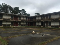Abandoned motor lodge