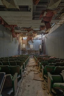 Abandoned Movie Theater Closed in  Star Wars Revenge Of The Sith was the last screening