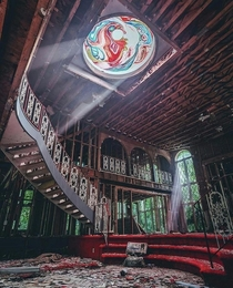 Abandoned party mansion deep in the Maryland forest