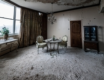 Abandoned presidential suite
