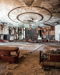 Abandoned Roaring s night club