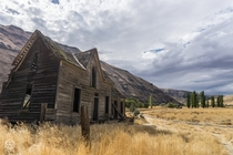 Abandoned Settlement on the Deschutes River